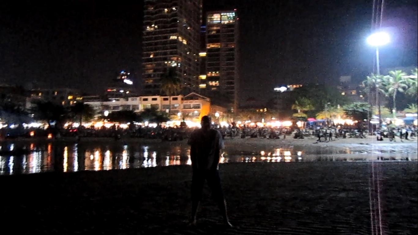 Новый год пляж Паттайя Таиланд