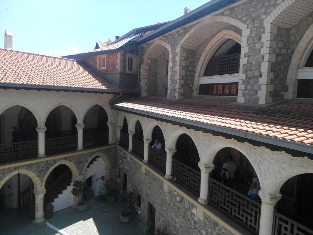 Монастыри в горах Тродоса